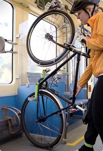 photo_bikeontrain_2